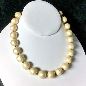 🎁VINTAGE Baroque Pearl Necklace